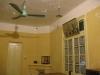 Стаята на Хо Чи Мин. Набляга се на това колко простичко е живял.